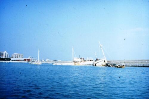 Navi-autoaffondate-in-porto-Spagnolo