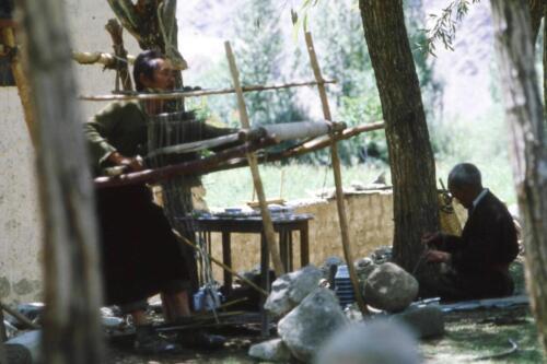 tessitura al telaio in Ladakh