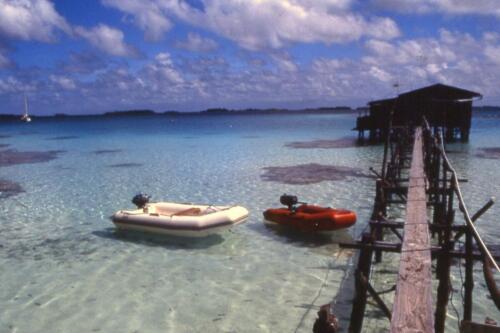 Allevamento-di-perle-nere-di-Takaroa-in-Polinesia